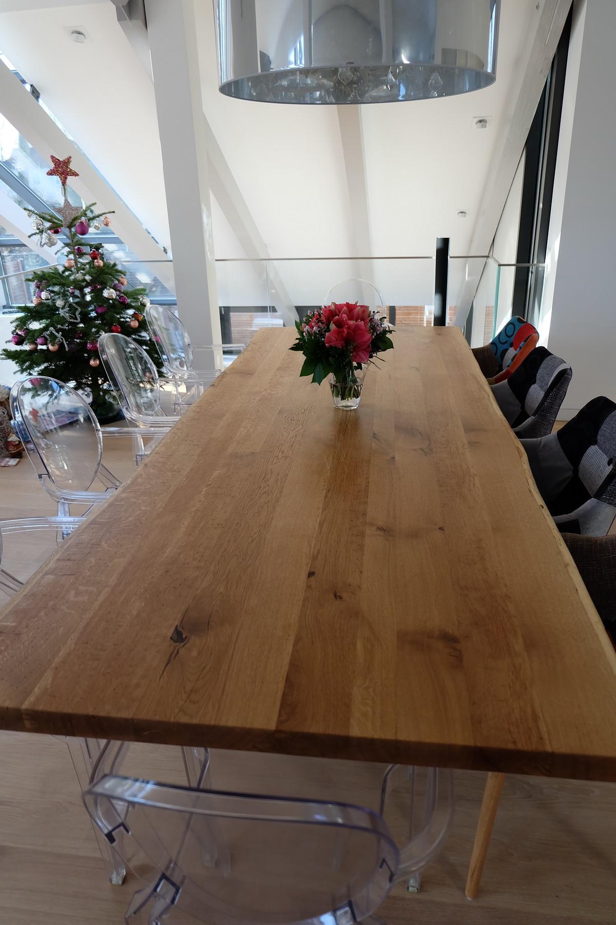 Eiche Tisch mit Beton Sockel 0