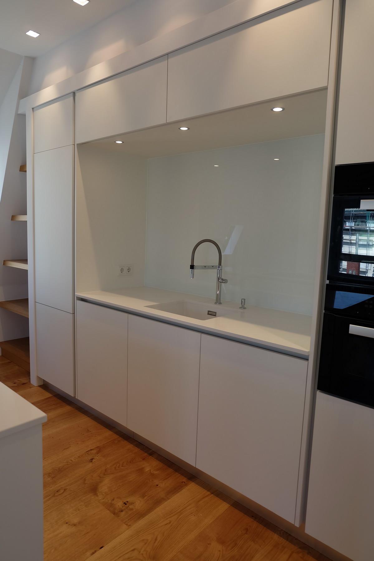 Küche, Boden, Schrank Eiche & Lack 6