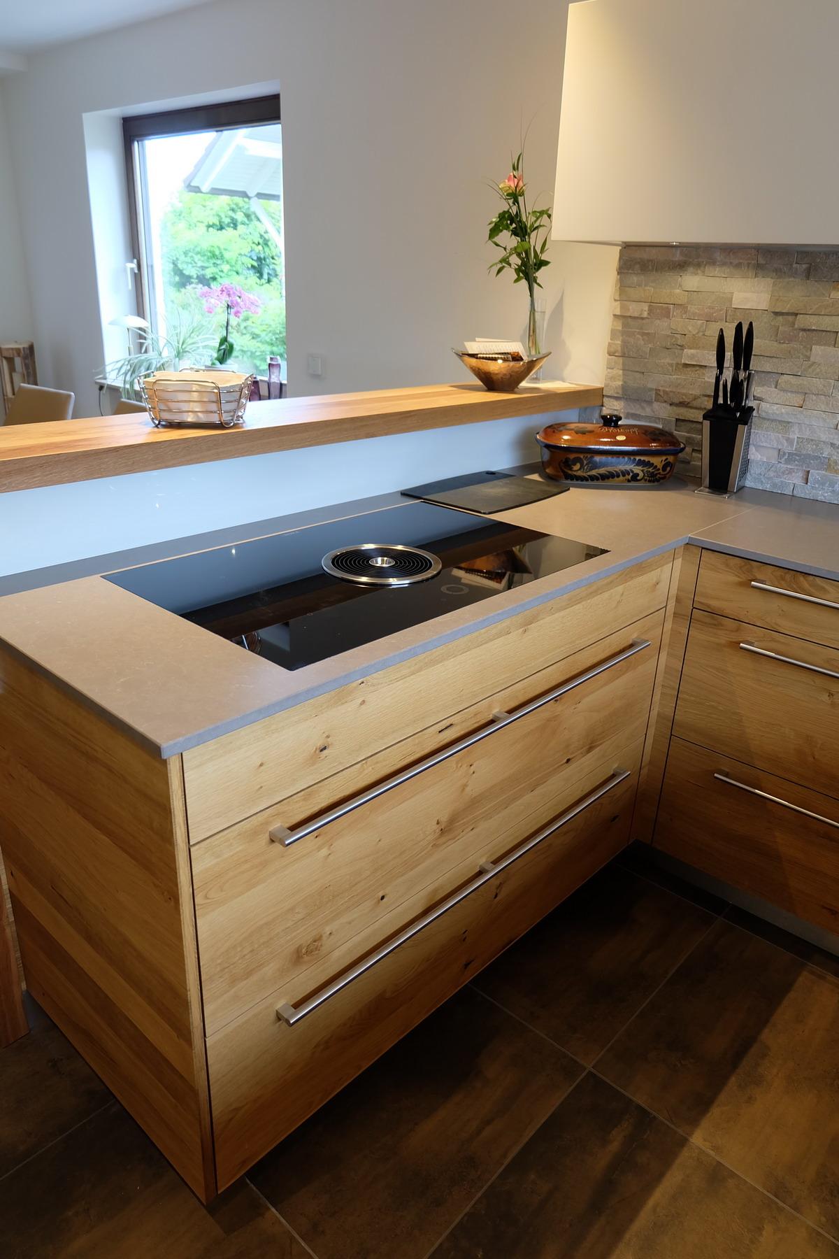 Küche in Eiche und weiß Lack