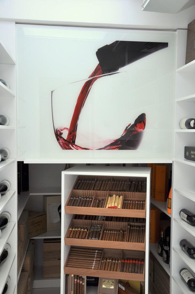 Weinschrank 1