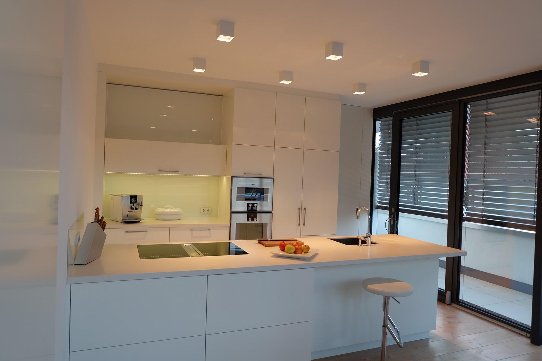 """Küche """"Einfach Weiß""""   Resch Innenausbau"""