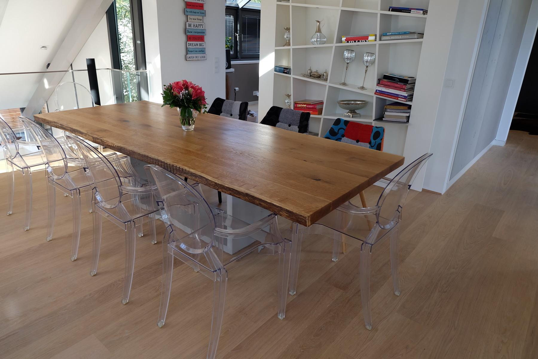 Eiche Tisch mit Beton Sockel 3