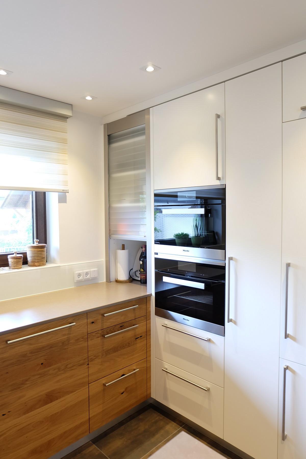 Küche in Eiche und Kunststein 6