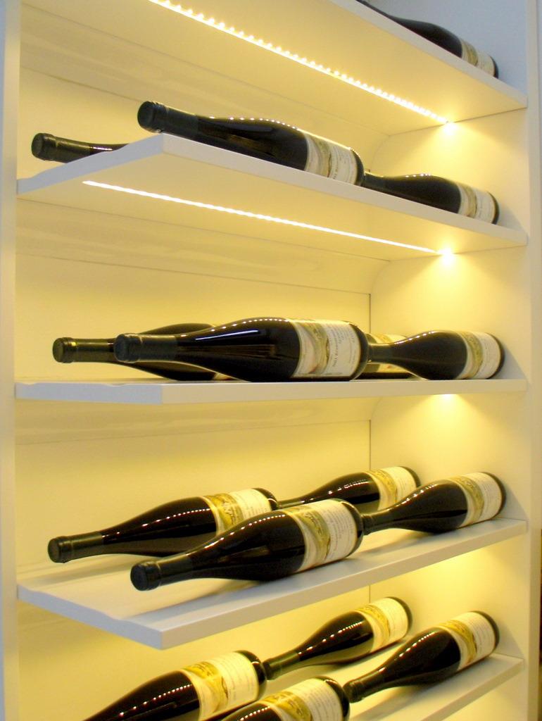 Weinschrank 2